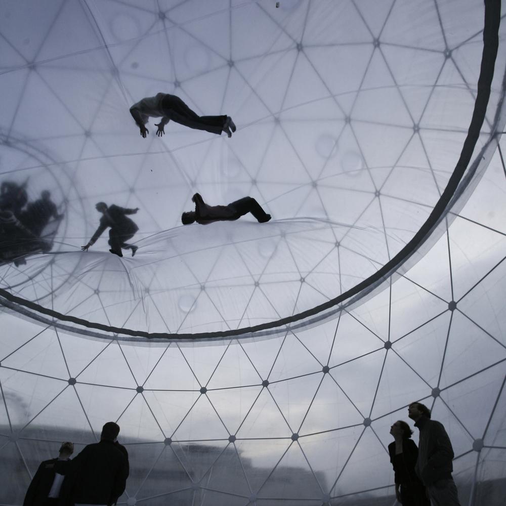 Interactive-Art-Installation-People-Play-Art-Suspended-19.jpg
