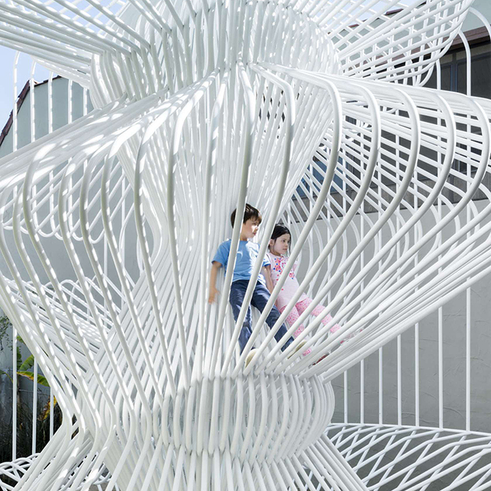 la-cage-aux-folles-tube-installation-wtarch-Materials-Applications-Los-Angeles-art-2.jpg