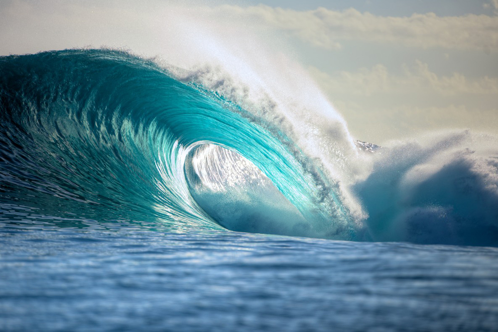 Surfing-Superwaves-Teahupo'o-Thaiti-KNSTRCT-1.jpg