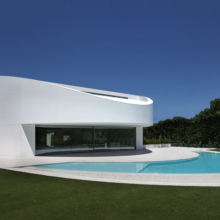 Balint House by Fran Silvestre Arquitectos