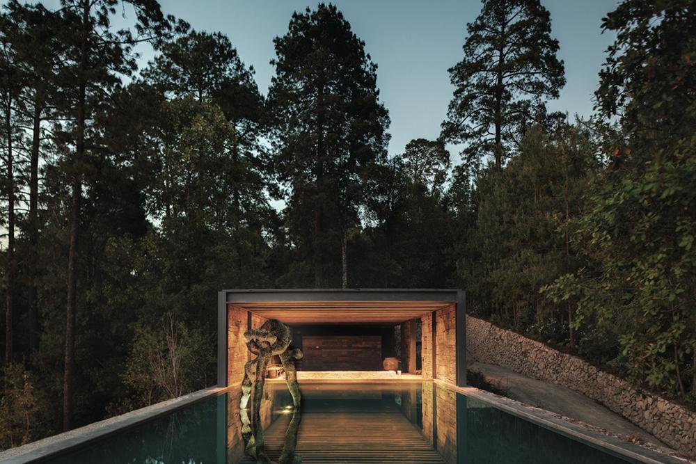 El-Mirador-House-CC-Arquitectos-Modern-Design-Horse-10.jpg