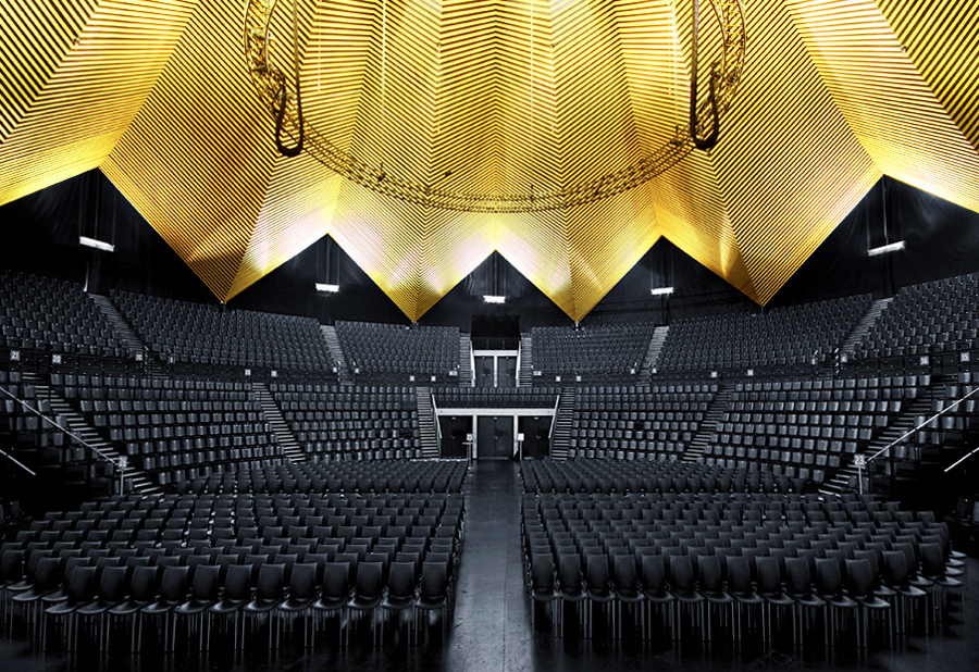 Tempodrom Berlin designed by Gerkan, Marg & Partners. Photography by Ralf Wendrich.