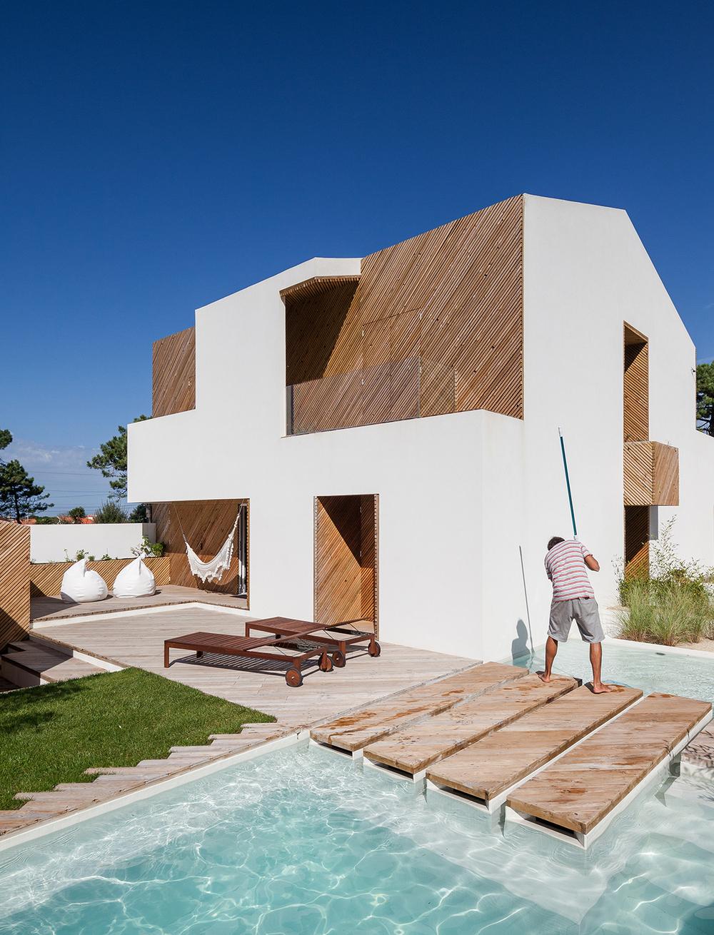 SilverWoodHouse Designed by Ernesto Pereira
