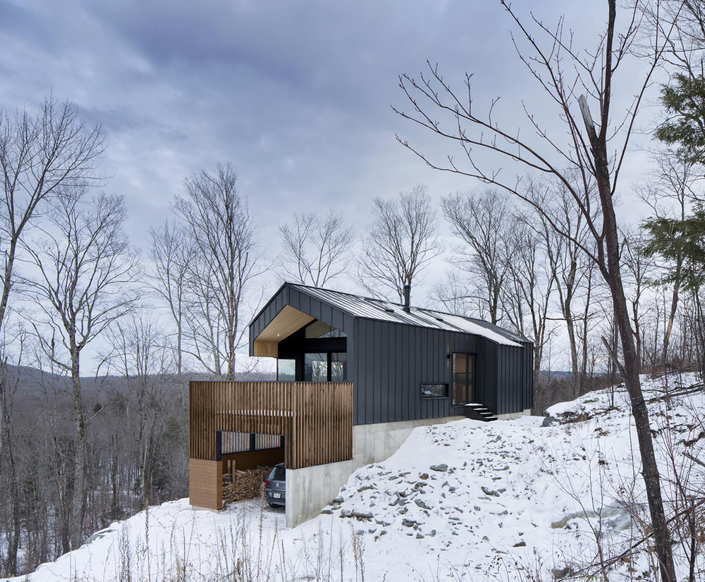 Bolton residence naturehumaine designs gable roofed for Designer cabins