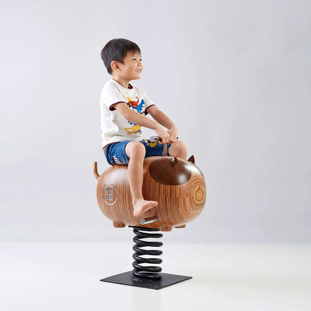 Little Thoughts Group creates a wooden family of rocking animals for kids | KNSTRCT