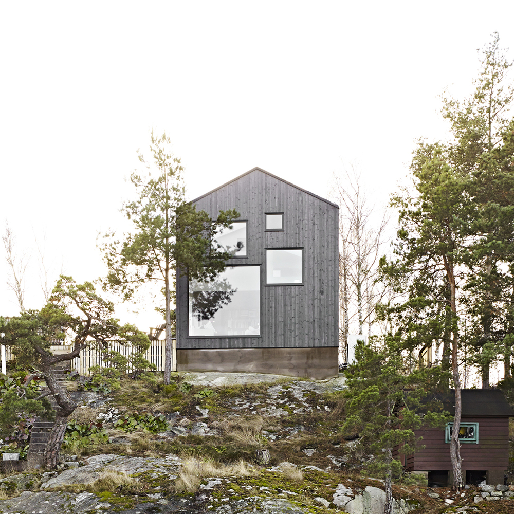 Guise create Villa Elgö, a modern lakeside cabin outside Stockholm | KNSTRCT