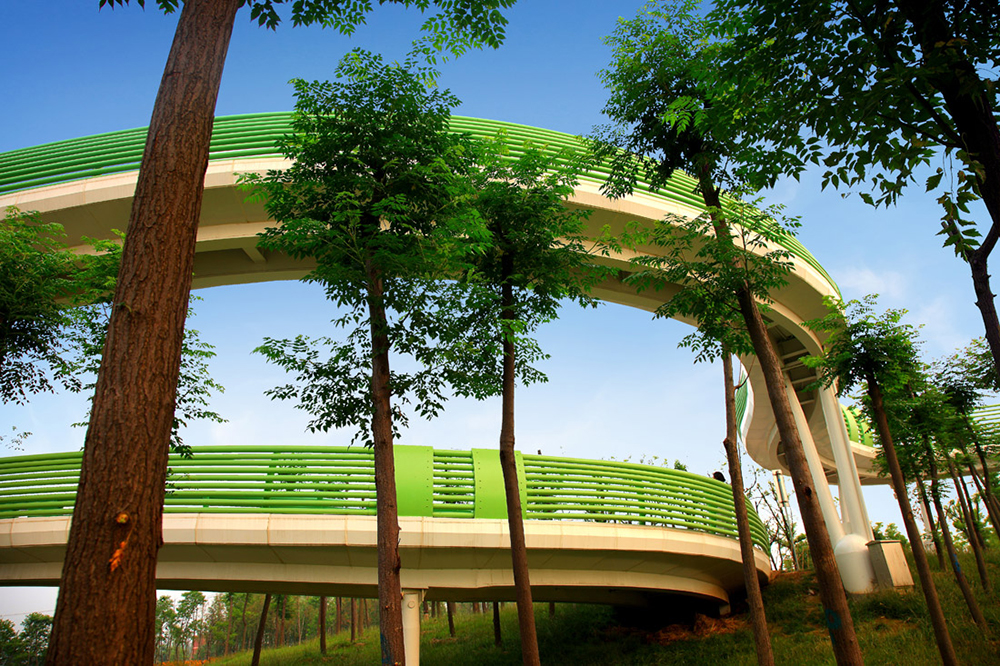 Long Sleeve Skywalk by Turenscape in Suining, Jiangsu Province