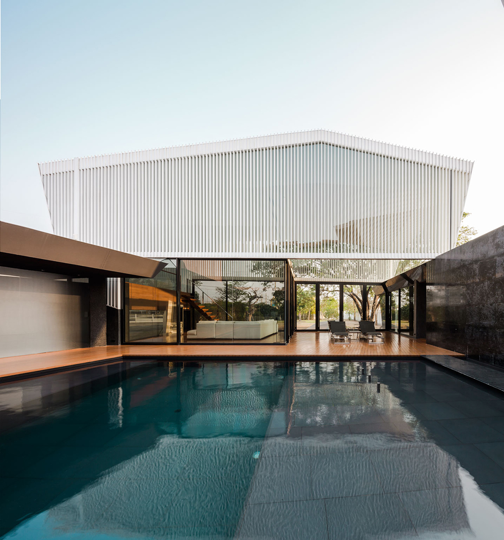 Bridging & Connecting: ATOM Design stacks Residence R