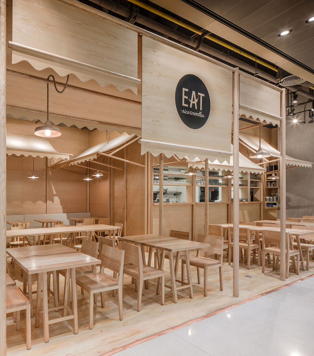 Wood chipping onion designs all wood eatery at emquartier Wooden interior