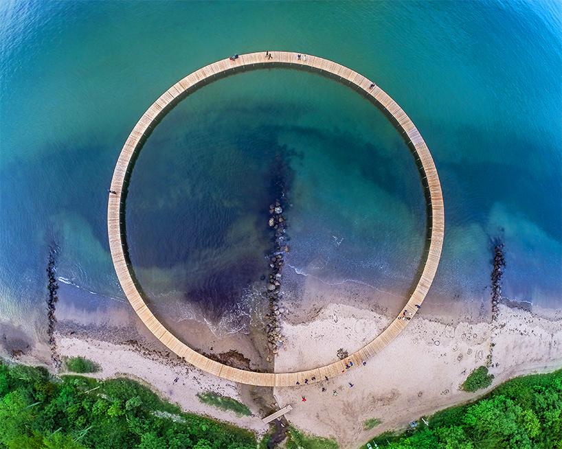 Sculpture by the Sea Gjøde & Povlsgaard Arkitekter's Infinity Bridge