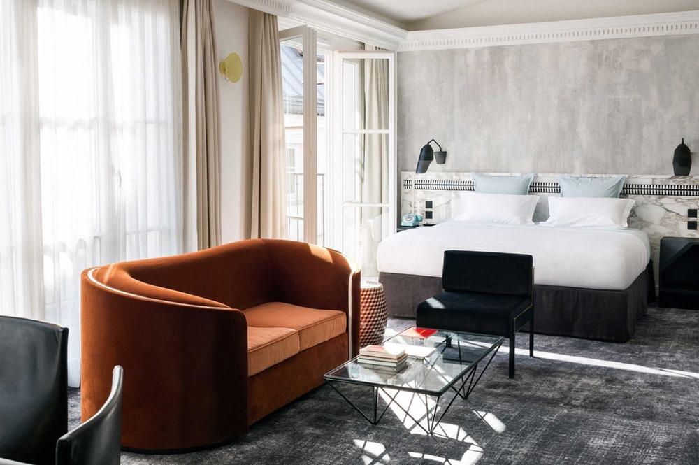 Bienvenue aux bains a parisian icon reborn knstrct for Hotel les bains paris