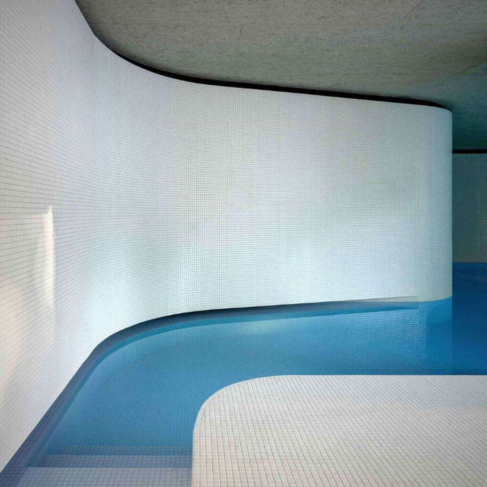 Act_romegialli+designs+indoor+swimming+pool+in+historical+Italian+home.jpg