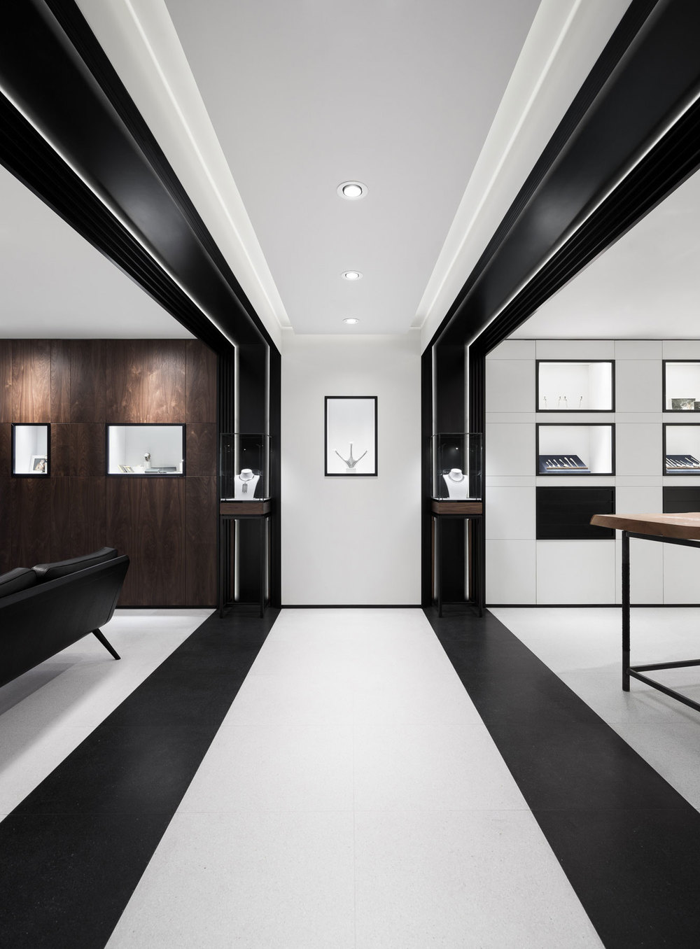 David thulstrup designs symmetrical space for georg jensen for Symmetrical interior design