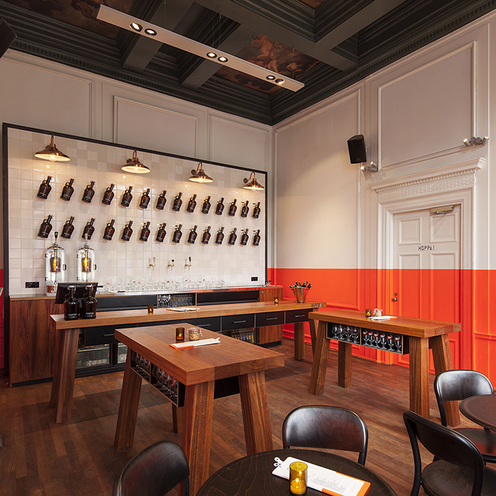 Hoppa-Restaurant-Orange-Interiors-Concrete-Data-Amsterdam-KNSTRCT-B.jpg