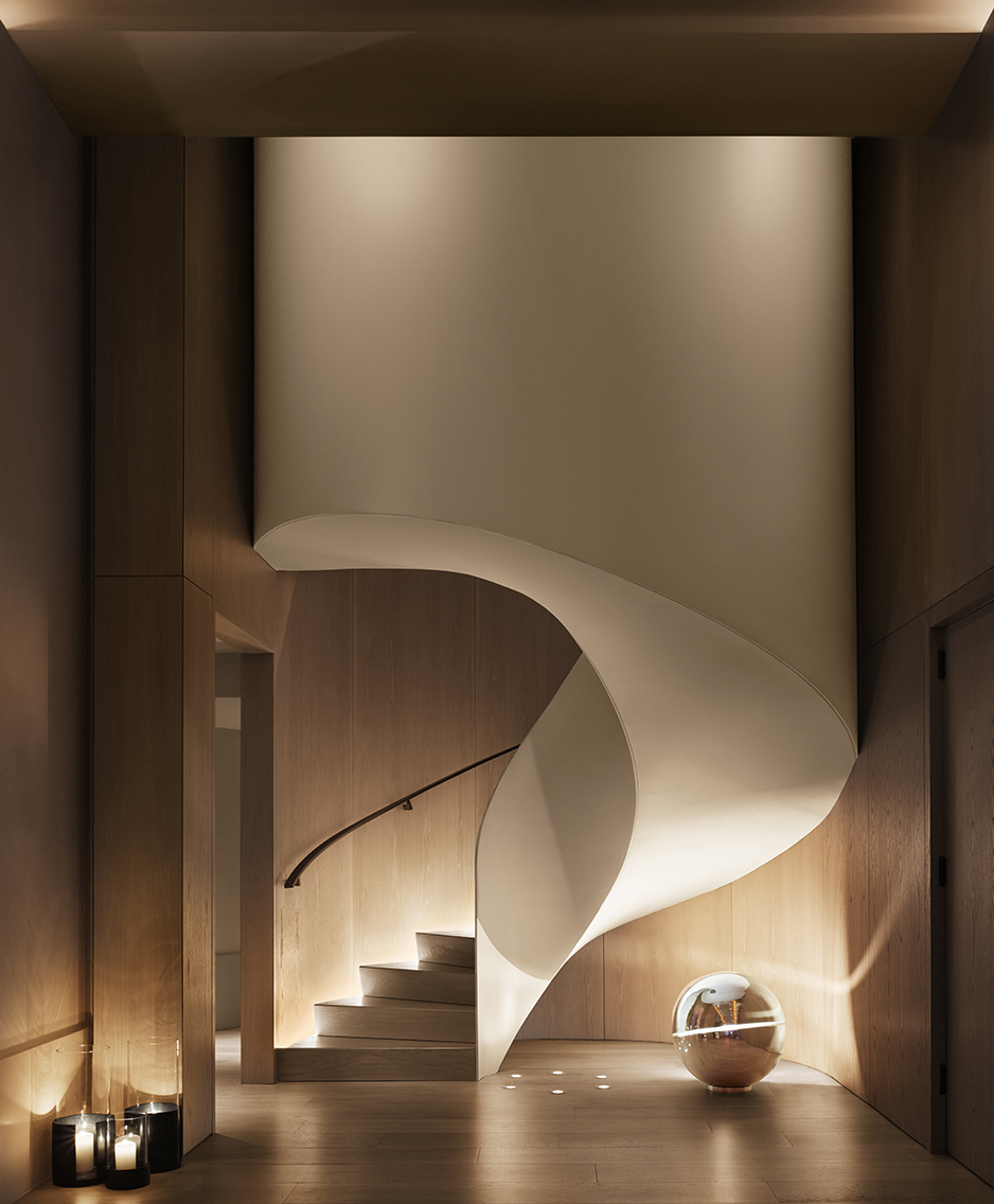 Toronto-slash-New-York-based design firm Yabu Pushelberg are bringing on the spins with the stunning design of the spiral staircase at The New York EDITION Hotel.