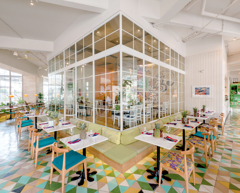 taller ken goes tropical for saúl bistro in majadas once — knstrct