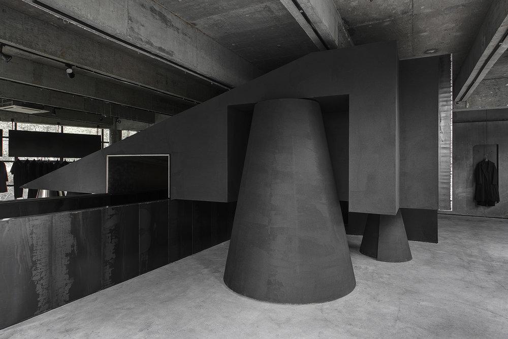 Geometric concrete retail concept