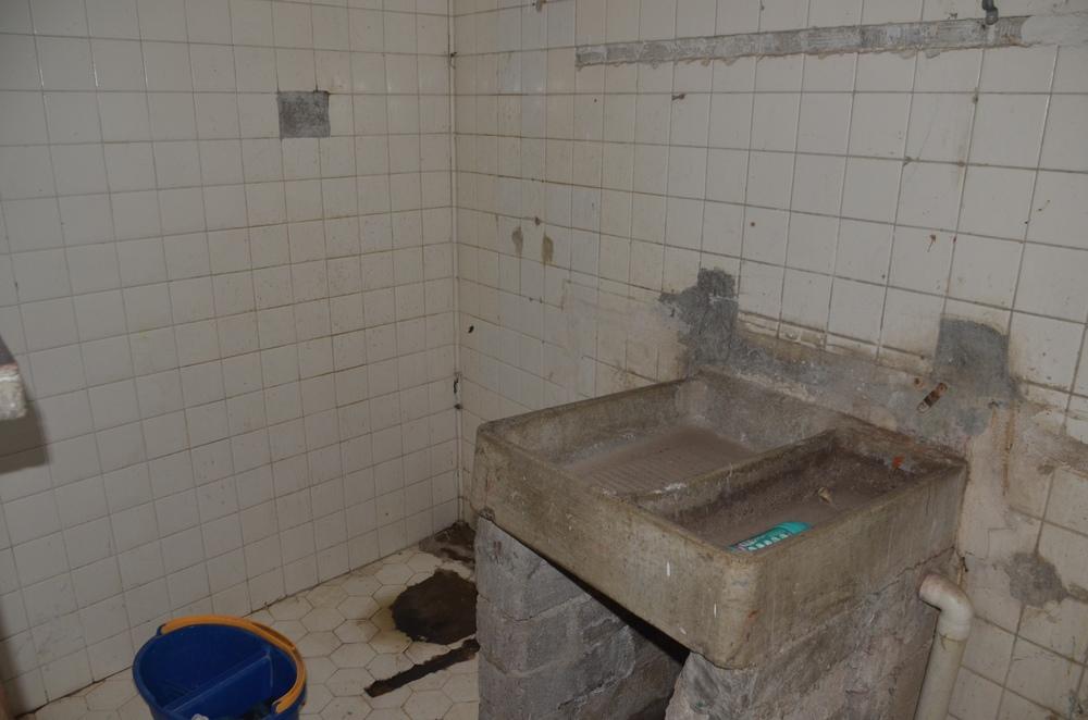 Boys wash room