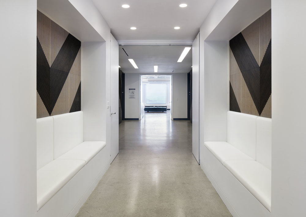 Seating_Elevator_Lobby_DSC5230.JPG
