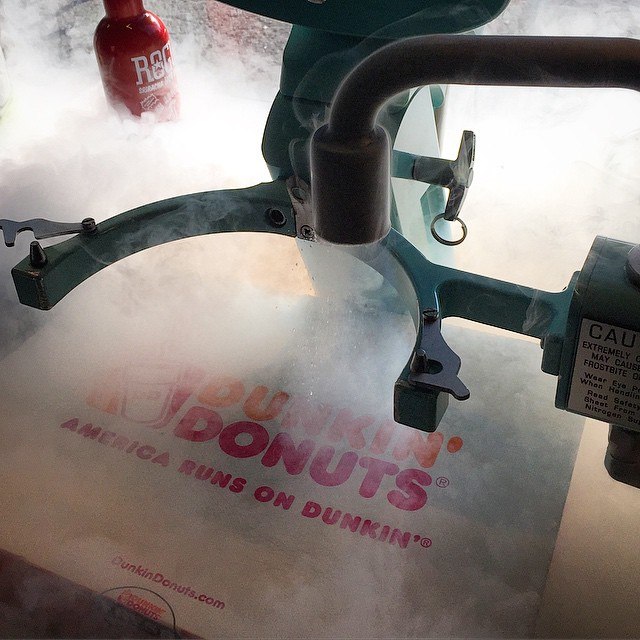#dunkindonuts #bostoncream x #churn2 :: #Boston 💨 #LA #liquidnitrogen #icecream : #donuts #grub #nomnoms #treats #dtla #artsdistrict #downtownla
