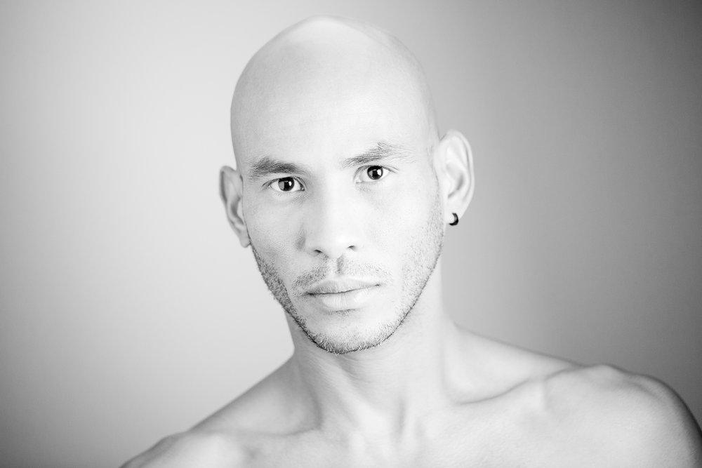 Gonçalo Barriga Photographer - Black & White Studio Portrait