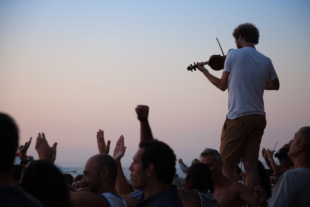 Gonçalo Barriga Lifestyle Photographer - Sunset beach concert
