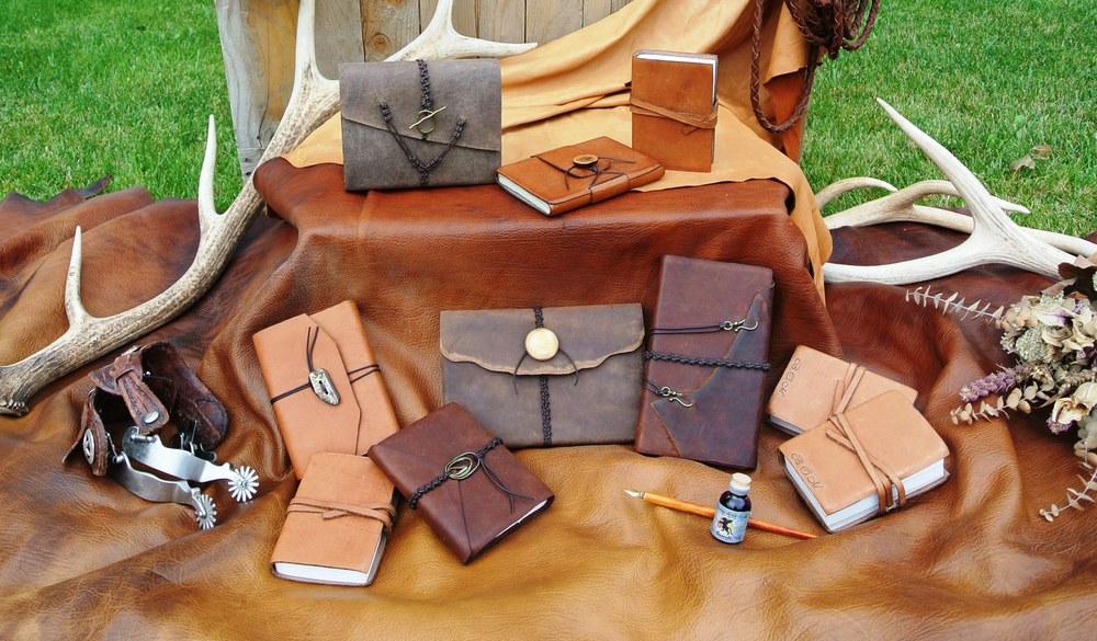 Circle M Brand - Leather Journals.JPG