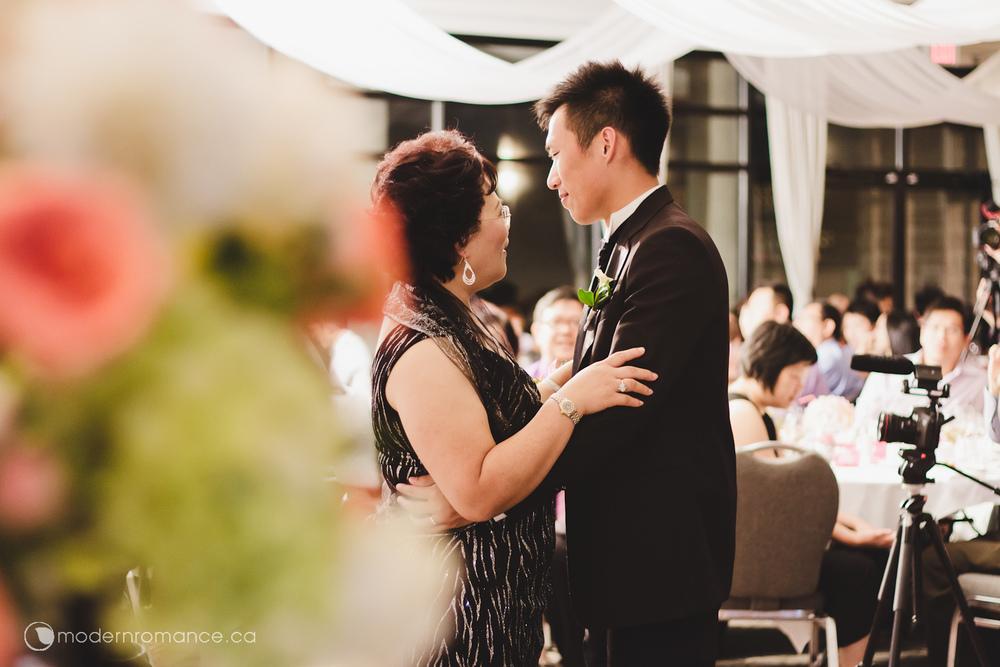 Modern-Romance-Eunice-Brian-222-0080.jpg
