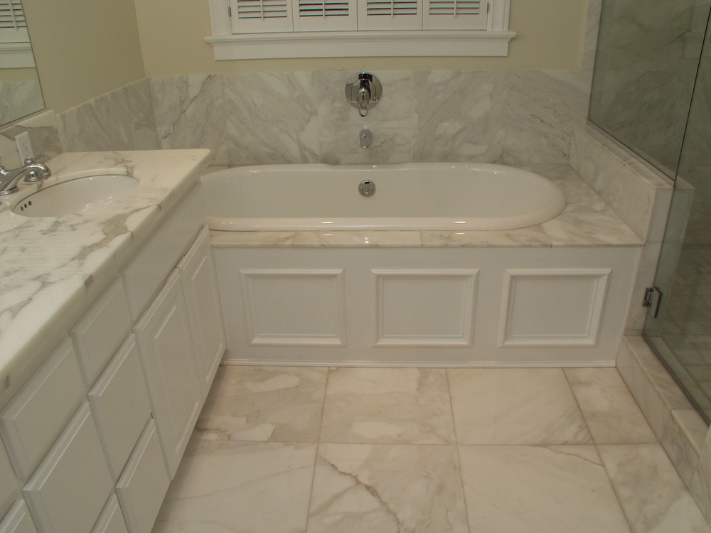 bathroom in calacatta.JPG