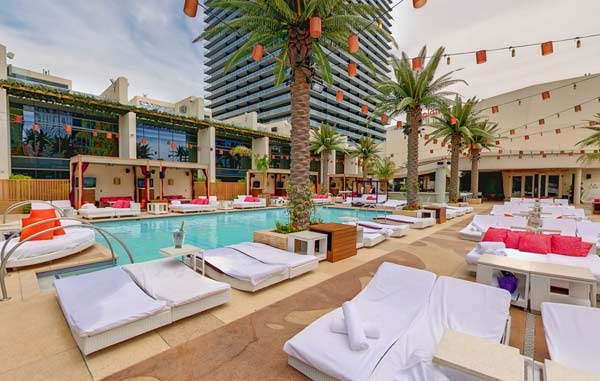 Marquee Dayclub Daybed and Single Couch