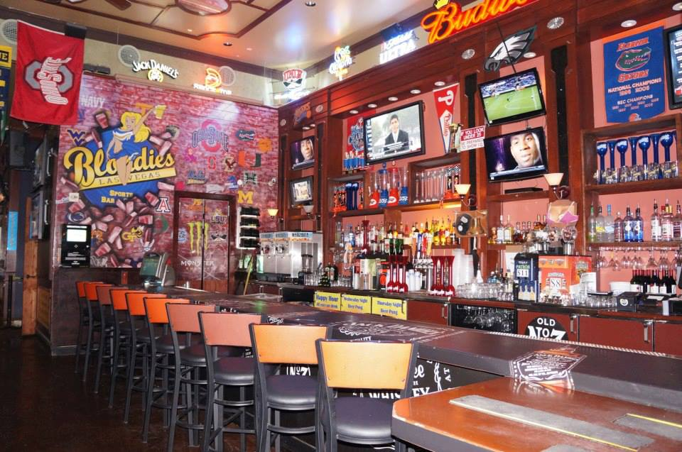 Blondies Sports Bar in the Miracle Mile Shops @ Planet Hollywood.