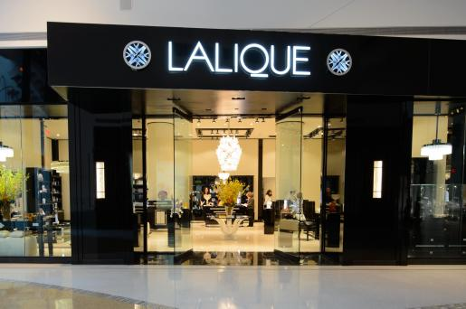Lalique in my  laungege  means, Keep Walking!