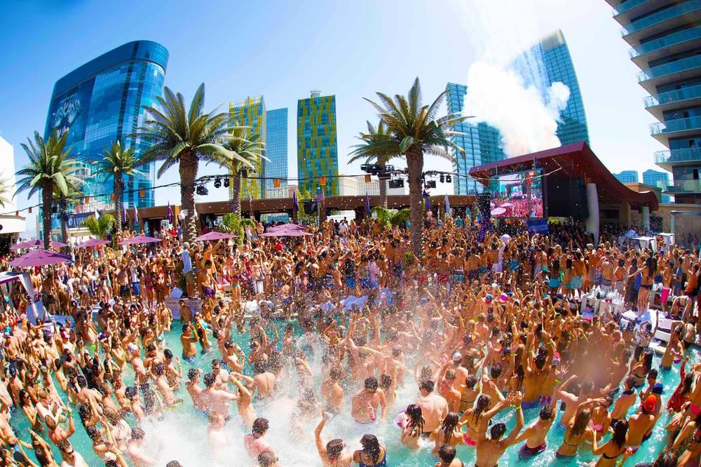 Best Hotel Pool Parties In Vegas
