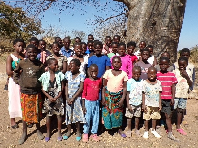 ZOE+group+malawi.jpg