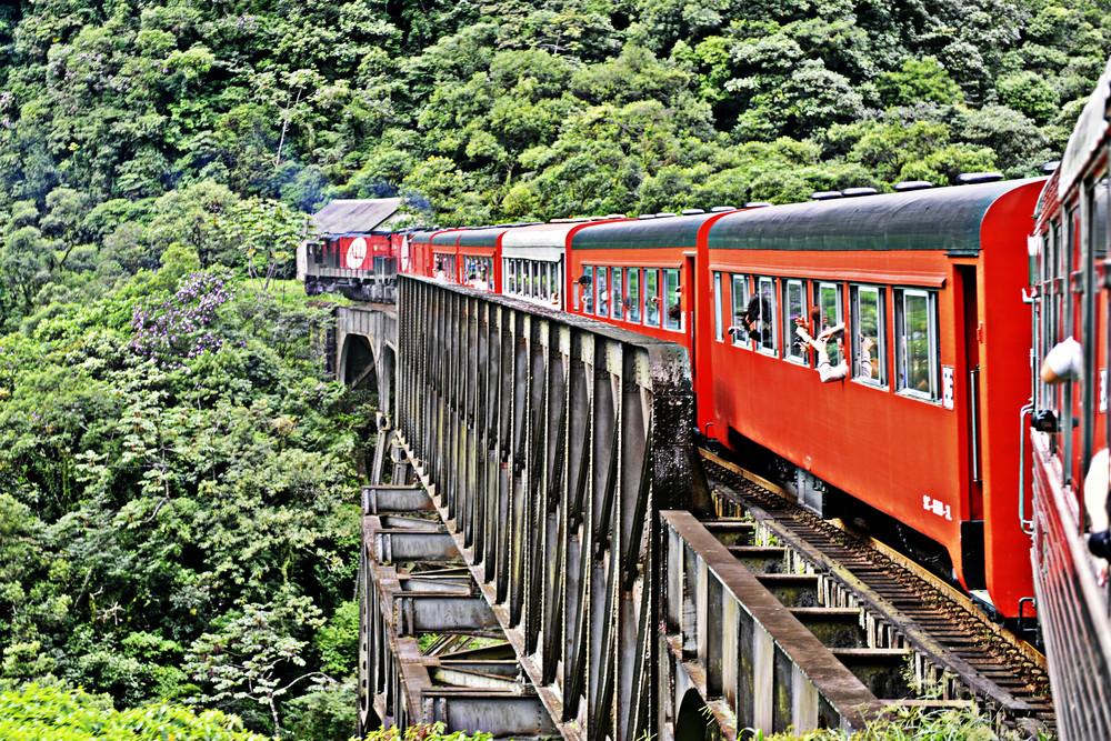 O Beer Train é um passeio pela Serra do Mar, com saída de Curitiba (PR), com degustação de cervejas (Foto: Arquivo/Bodebrown)