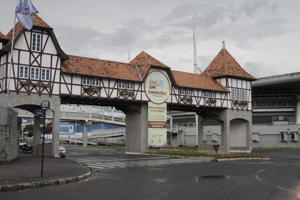 Assim como a Oktoberfest e o Festival Brasileiro da Cerveja, a Sommerfest ocorre na Vila Germânica (Foto: Altair Nobre)