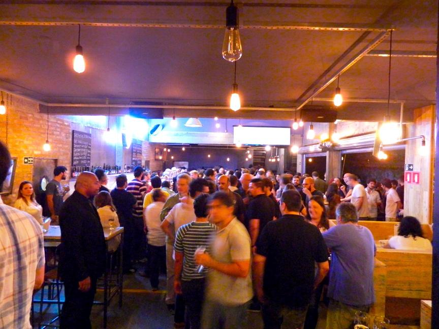 Novidade no cenário cervejeiro do Brasil, o Bar da BrewDog empolgou na sua apresentação (Foto: Raphael Rodrigues)