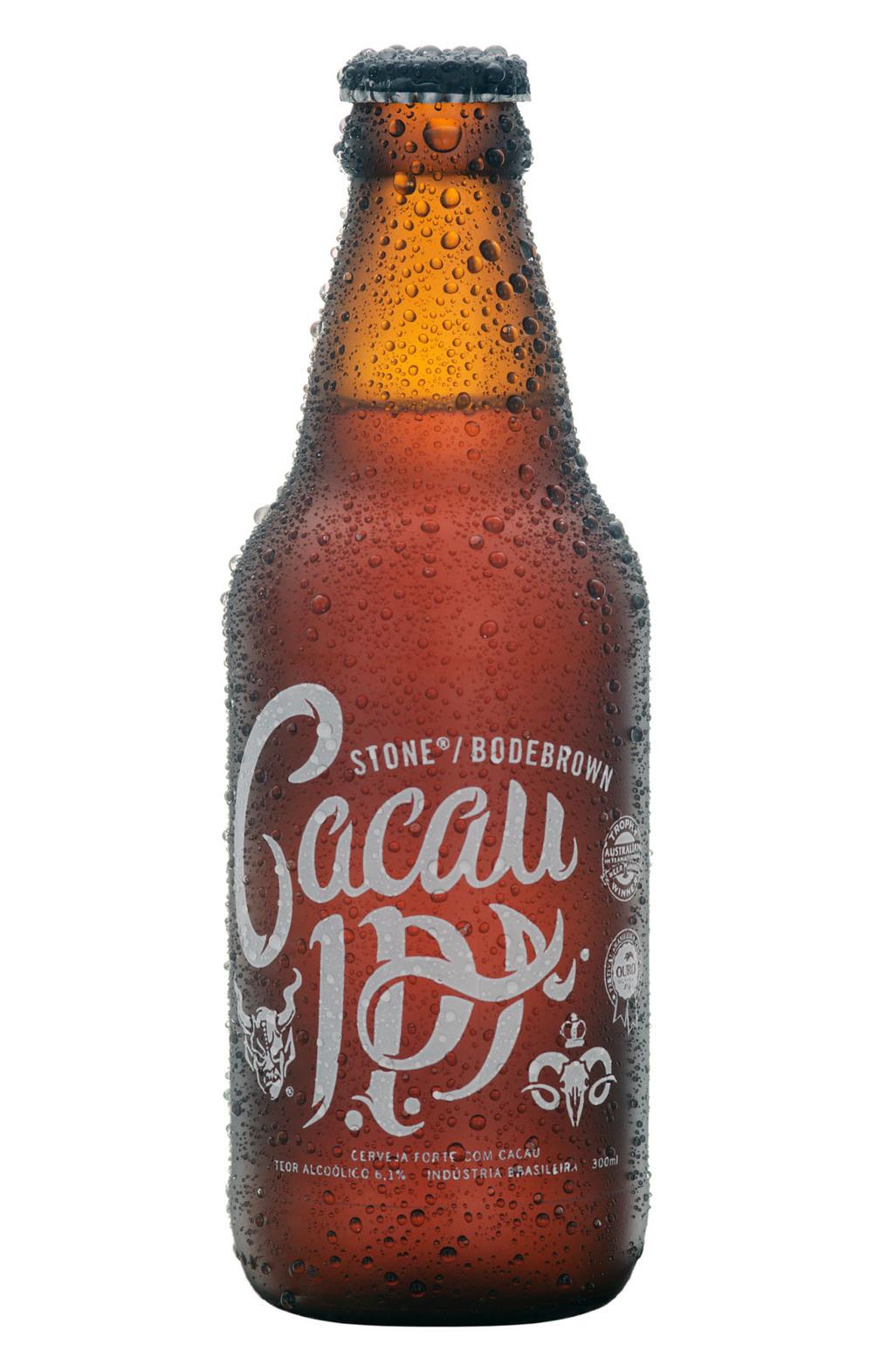 A primeira cerveja disponível por a venda online é a Stone/Bodebrown Cacau IPA, com preço promocional de lançamento a R$ 15,90 a unidade até o dia 15 (Foto: Divulgação)