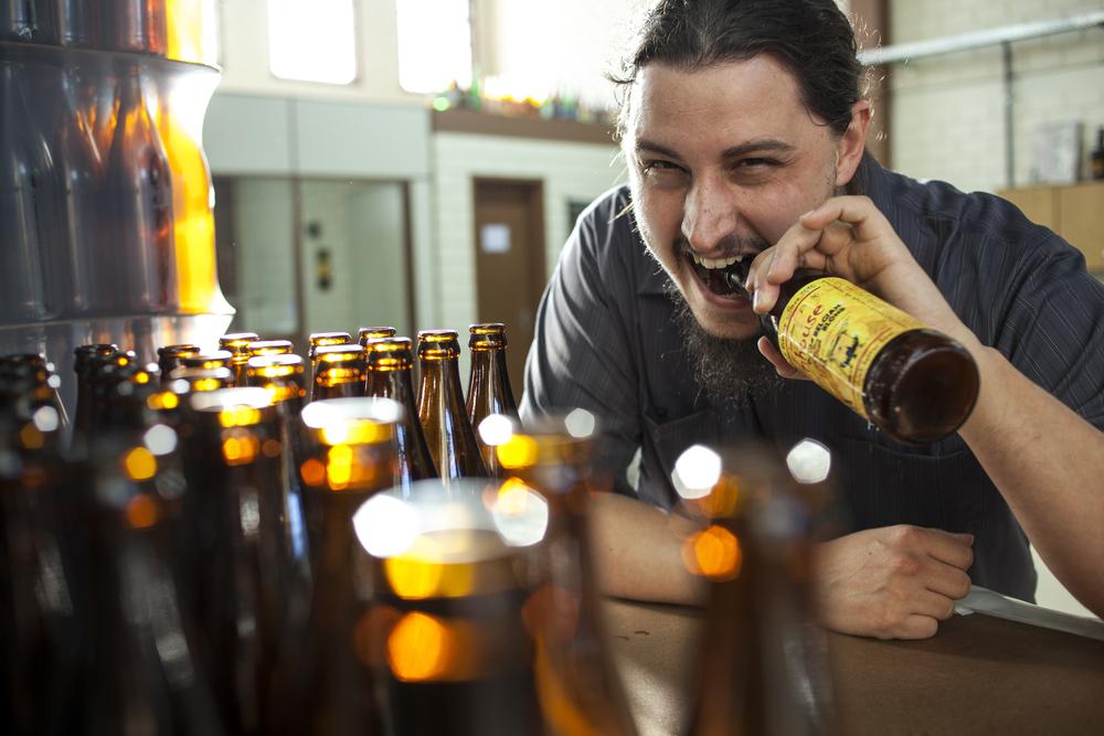 Leonardo Sewald, que no início percorria os bares com barris oferecendo sua cerveja, hoje uma das mais respeitadas entre as artesanais brasileiras (Foto: Ricardo Jaeger/Beer Art)