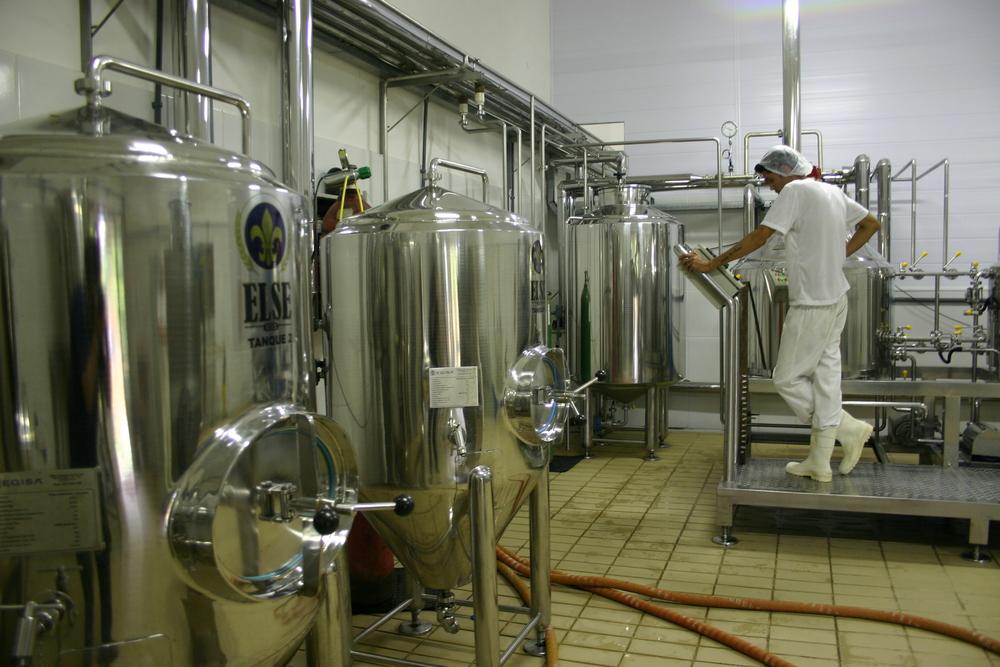 A capacidade instalada é para 2,5 mil litros por mês (Foto: Daniel Hirschmann/Beer Art)