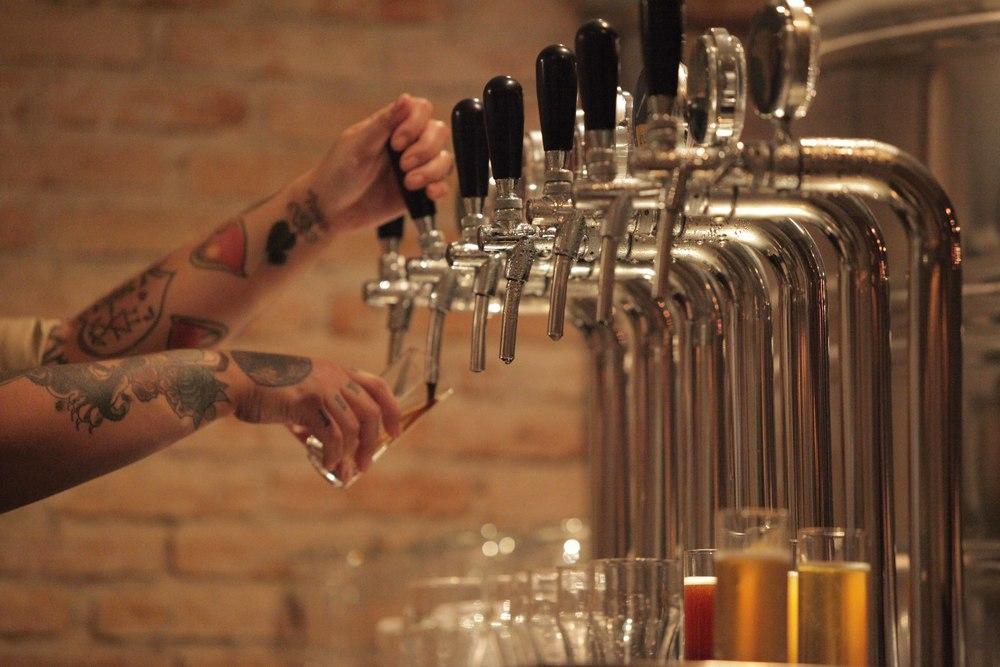 Cervejaria Nacional: 3 ambientes e 17 torneiras de chope
