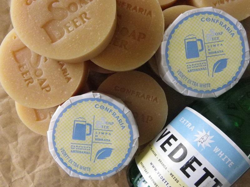 Cervejas estrangeiras, como a Vedett, e brasileiras estão entre as várias opções de sabonetes (Foto: Divulgação)