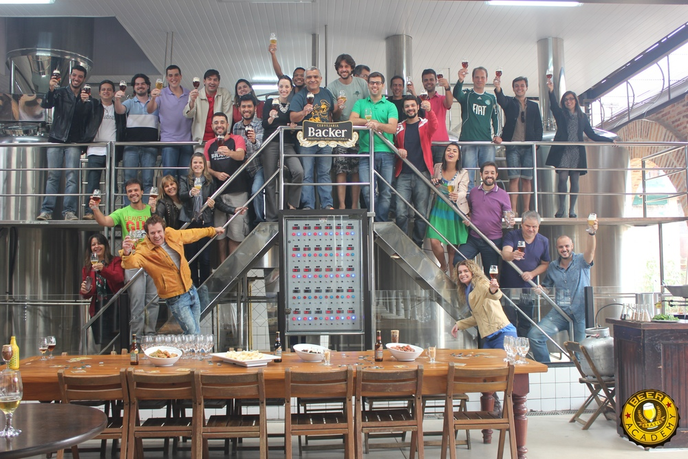 Da turma de Belo Horizonte (foto), um dos frutos será uma cerveja produzida em conjunto pelos alunos do Curso da Beer Academy (Foto: Divulgação)