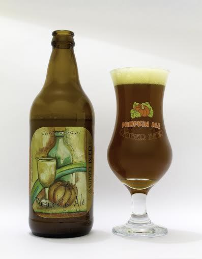 Na Pumpkin, uma das primeiras cervejas da Sauber Beer, um quadro que virou rótulo (Foto: Divulgação)