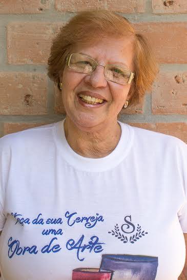 Vanesca Marqueti foi a responsável por unir cerveja e arte nas garrafas da Sauber Beer (Foto: Divulgação)