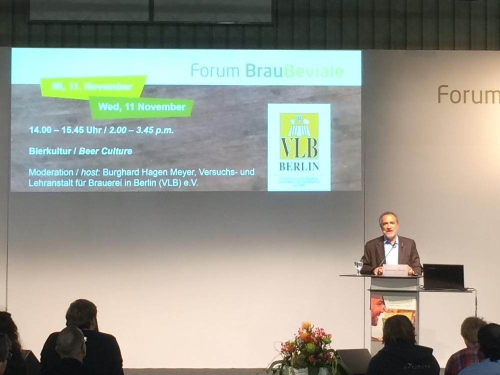 O presidente da Brewers Association (BA), Charles Papazian, palestra na Brau Beviale, em Nuremberg, na Alemanha (Foto: Marcelo Peña)