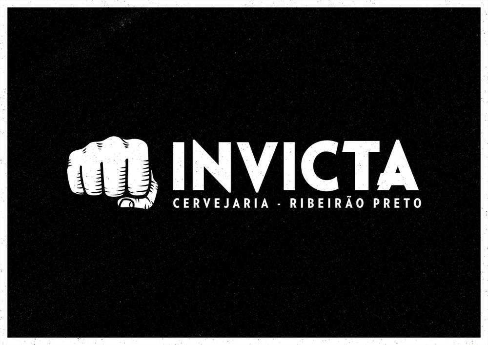 O punho da Imperial IPA 1000IBU se confirma como a marca registrada da Invicta (Foto: Divulgação)