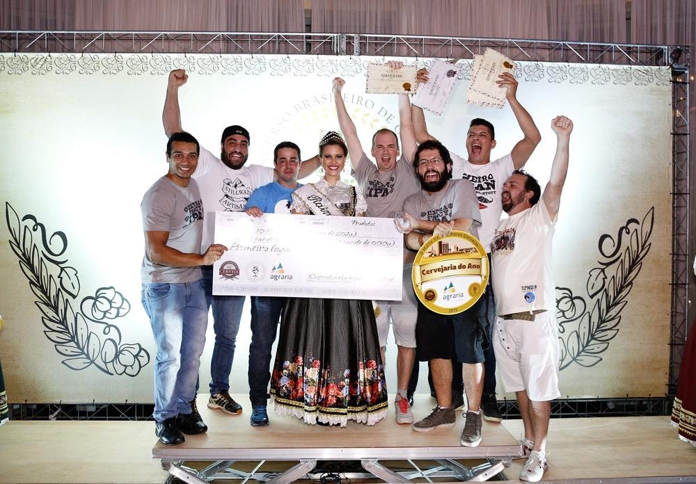 Tupiniquim comemora o título de cervejaria do ano 2015 em blumenau (foto: Ricardo Jaeger/Beer Art)