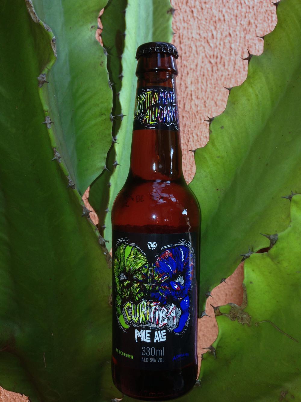 A bebida está disponível, engarrafada na versão 330 ml,na rede distribuidora da Bodebrown e na loja da fábrica, em Curitiba (Foto: Divulgação)