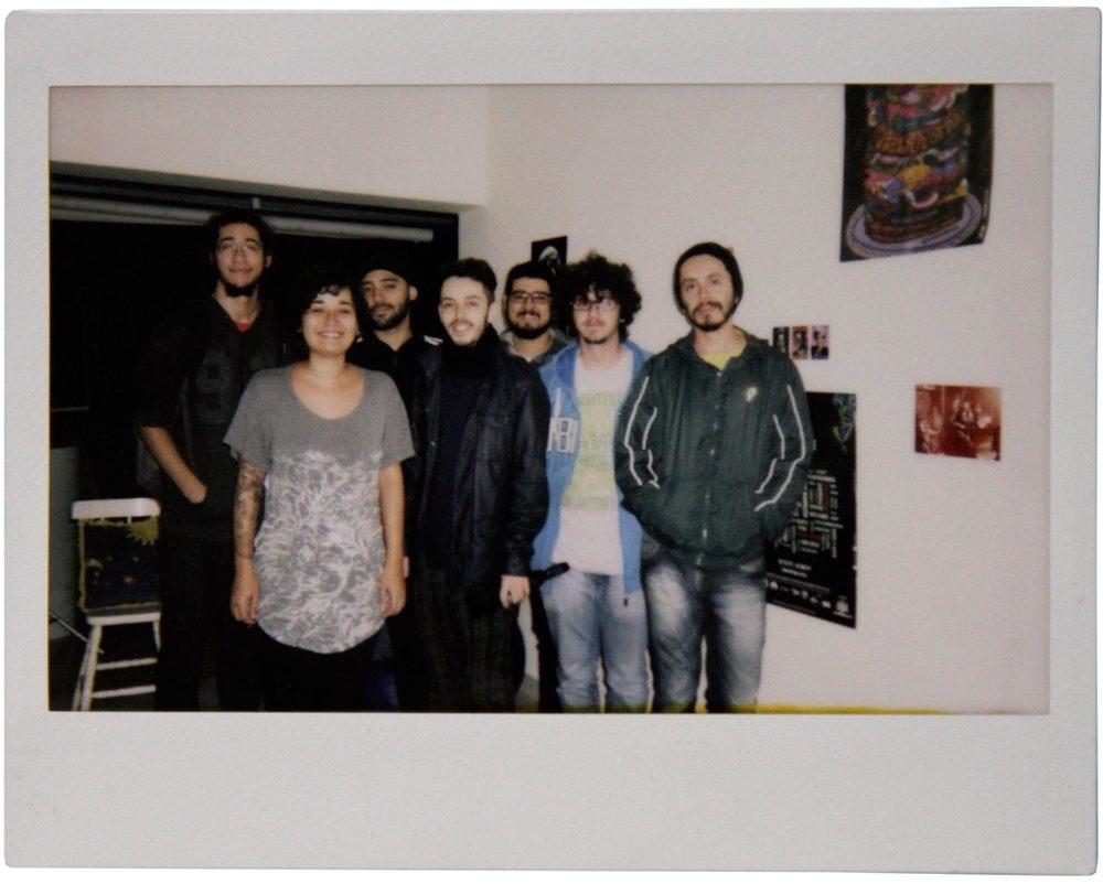 A equipe é formada por jovens produtores da cidade de São Paulo, oriundos do fotojornalismo, do cinema e do teatro (Foto: Divulgação)